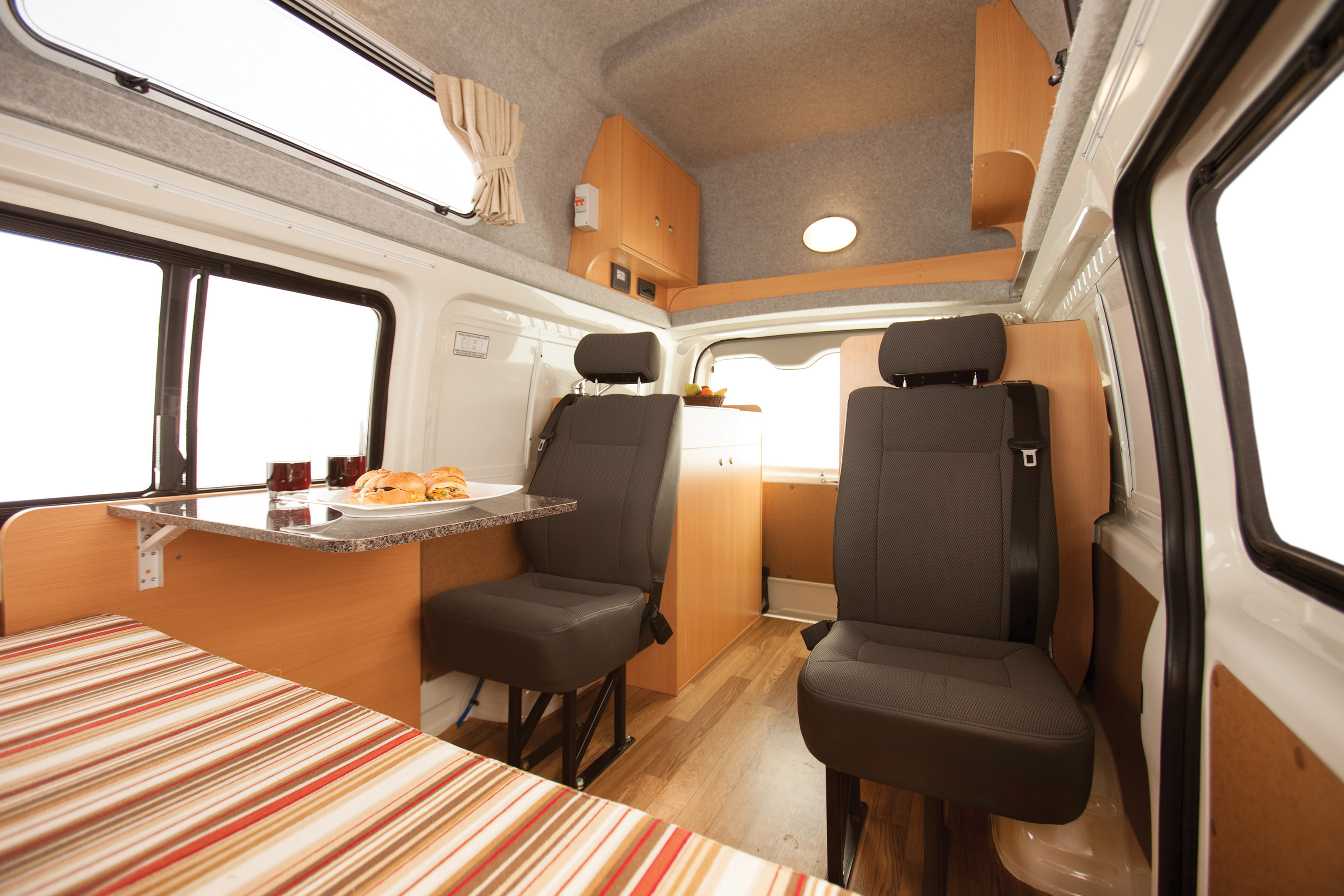 Apollo Motorhome Holidays Australia, Endeavour Camper Internal 2