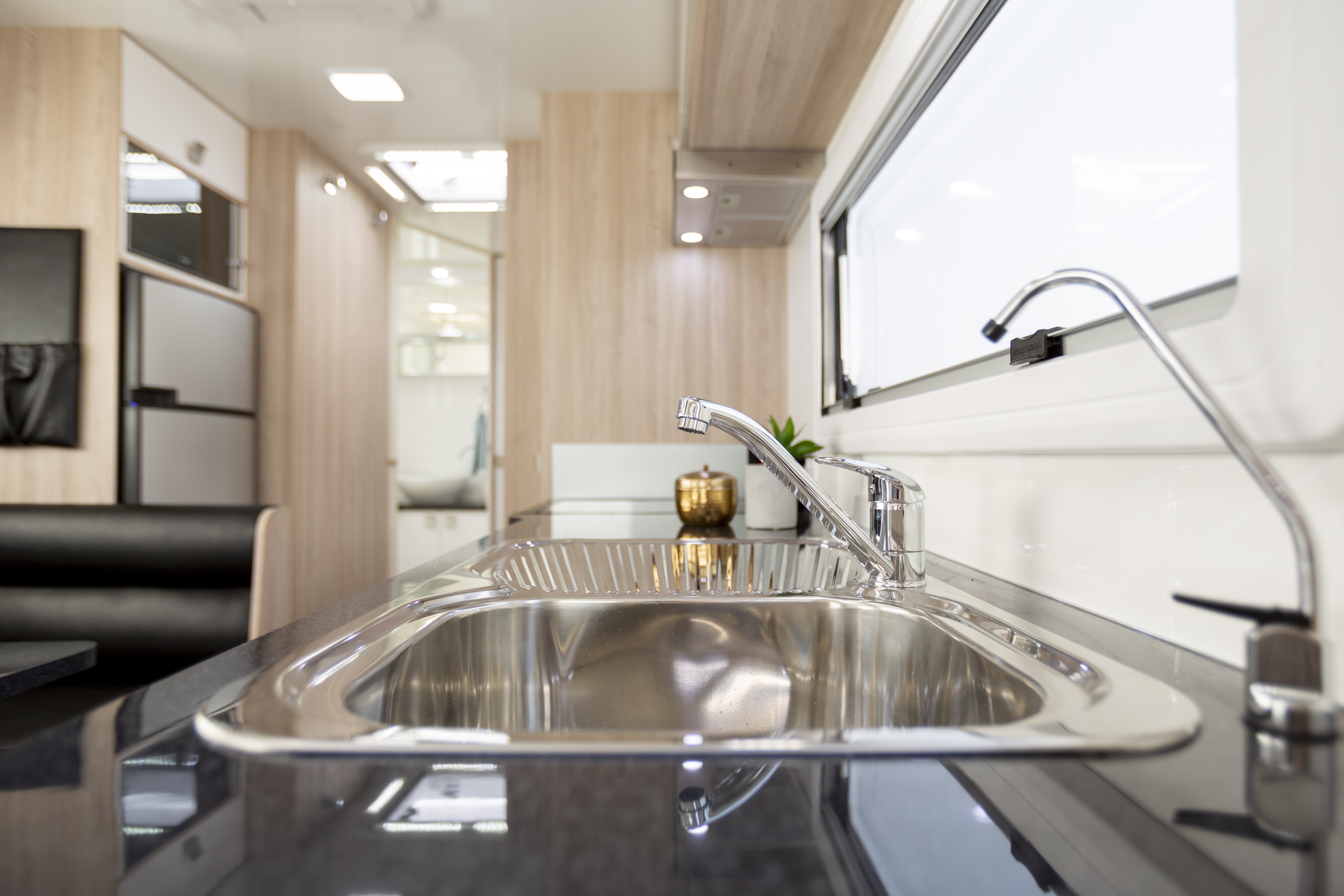 Apollo Motorhome Holidays Australia, Mossman C Internal 6